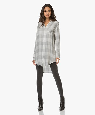 Rails Bianca Checkered Blouse in Viscose - Dove/Grey