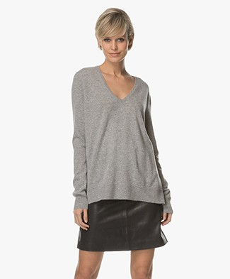 Repeat Cashmere V-neck Pullover - Light Grey