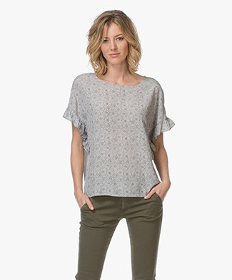 Repeat Print Top in Silk - Beige Rose