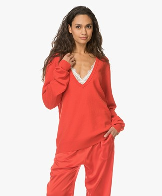 extreme cashmere N°38 Be Low Cashmere V-neck Sweater - Tomato