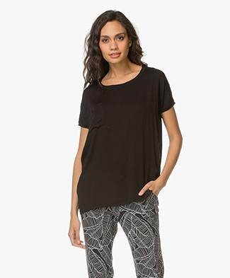 Project AJ117 T-shirt Kissie met Relaxed Fit - Zwart