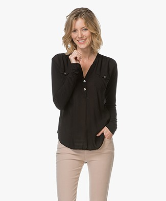 Project AJ117 Blouse Moe with V-split Neck - Black