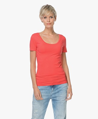 Drykorn Natina Scoopneck T-shirt - Coral Red