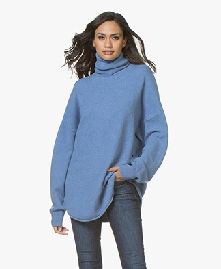 extreme cashmere N°52 Cashmere Roll Neck Sweater - Ocean
