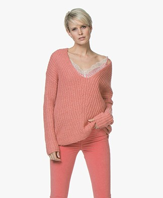 Drykorn Linna Chunky Knit V-neck Sweater - Pink