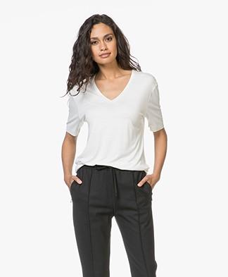 Joseph Loose Silk Jersey V-neck T-shirt - Ecru