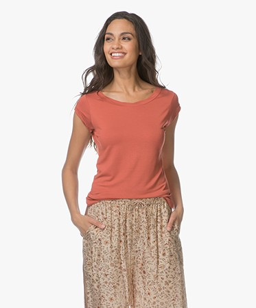 no man's land - no man's land Viscose T-shirt met Boothals - Tuscan Red