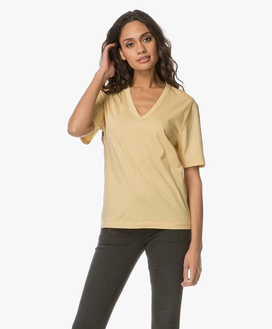 Joseph V-hals T-shirt in Mercerized Jersey - Custard