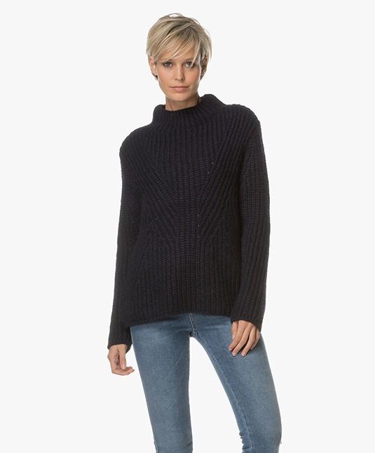 Closed Chunky Knit Sweater - Navy