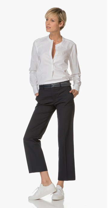 a0cfd7a90bf6 Also the LBD, a cashmere cardigan, a turtleneck pullover, classic chinos  and a cloak can be part of the smart wardrobe. A smart wardrobe is perfect  to wear ...