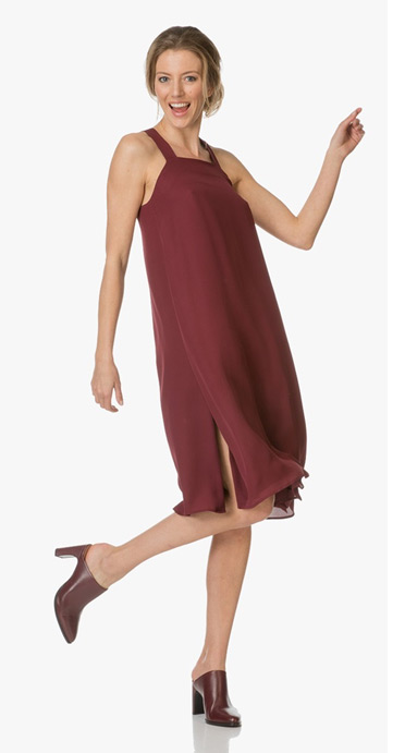 59451ad28d2 Dresses that hit above the knee or with a knee-length - Classic pumps or  heeled sandals - Show your style with colors