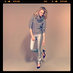 Pullover with removable cowl neck: Twenty8Twelve | jeans: Filippa K