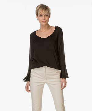 BRAEZ A-line Blouse with Ruffle Finish - Black