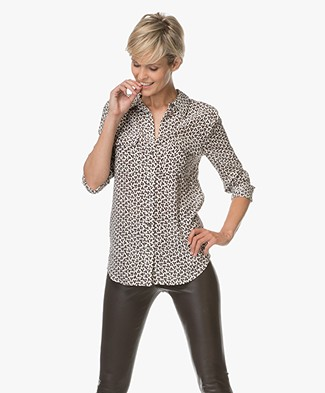 Equipment Slim Signature Blouse met Print - Coconut