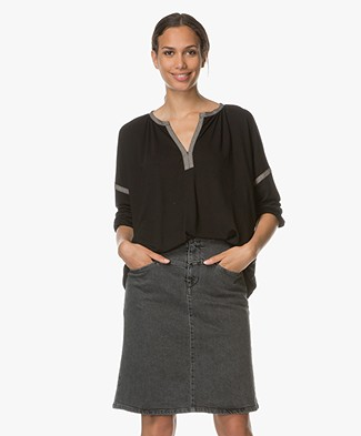 Closed Lyocell Blouse with V-split - Black