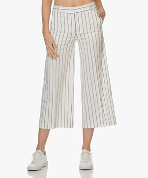 Filippa K Cropped Striped Pants - Off-White/Navy