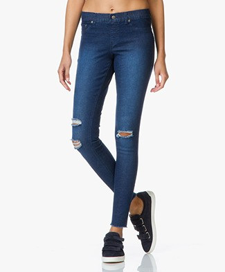 HUE Super Smooth Ribbed Denim Legging - Inkwash