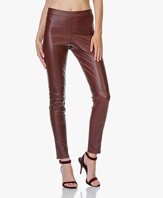 Theory Adbelle Slim-fit Leather Pants - Garnet
