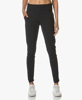 Woman by Earn Amber Travel Jersey Broek - Navy