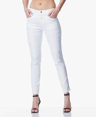 dames jeans shop dames spijkerbroeken bij perfectly basics. Black Bedroom Furniture Sets. Home Design Ideas