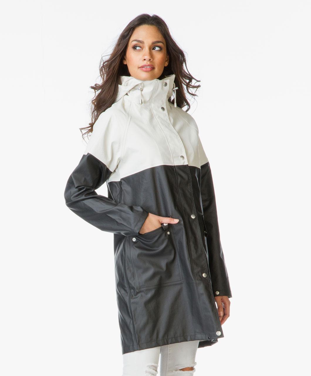 shop the look the fashionable raincoat perfectly basics. Black Bedroom Furniture Sets. Home Design Ideas