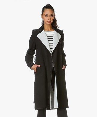 Theory Trenchcoat Laurelwood in Crêpe - Black/Classic White
