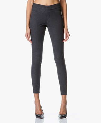 HUE Curvy Fit Jeans Leggings - Graphite Wash