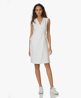 Theory Wrap Dress Livwilth in Crepe - Eggshell