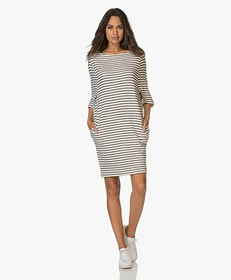 BY-BAR Vive Tess Sweaterjurk - Off-white/Off-black