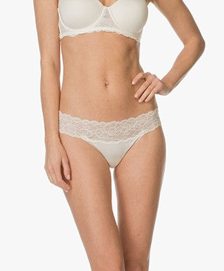 Calvin Klein Seductive Comfort Lace Thong - Ivory