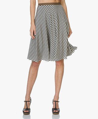 Closed Skirt with Stripes Frieda