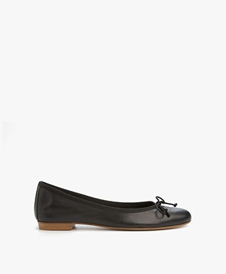 Fred de la Bretonière Leather Ballerina - Black