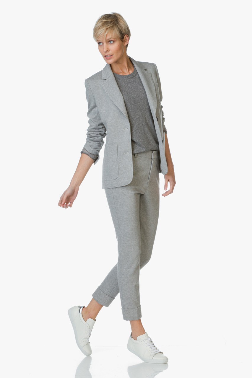 The workplace is becoming increasingly casual (we're blaming you and those damn Adidas sandals, Zuckerberg), but that doesn't mean you should look like every other cubicle-bound drone at the office. It's time talk how to dress business casual.