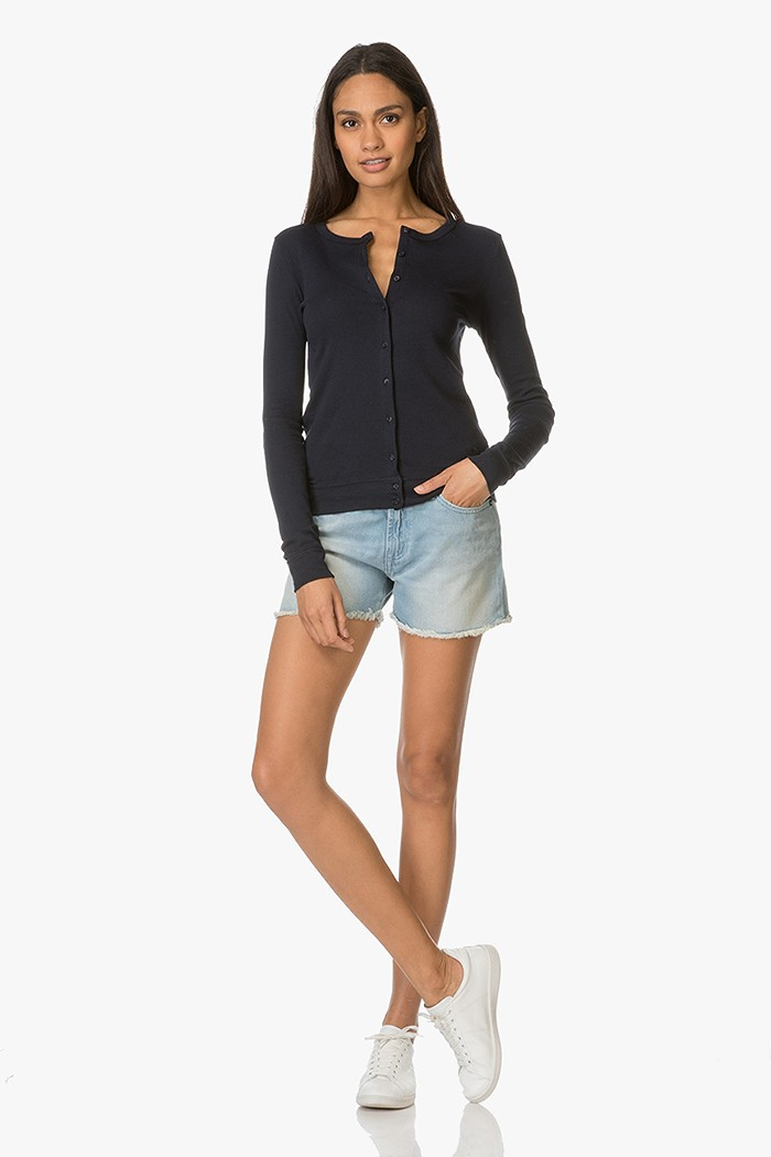 Shop the look clean casual en comfy perfectly basics for Nu trend cleaners