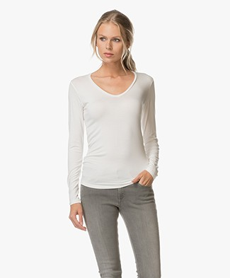 Majestic V-neck T-shirt with Long Sleeves - Milk