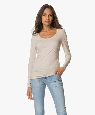 Drykorn T-shirt Selima with Round Neck - Powder