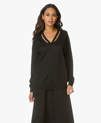 Alexander Wang Pullover With Cut-Out V-Neck - Black