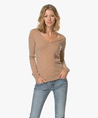 Repeat Cashmere V-neck Pullover - Camel