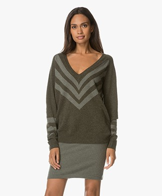 Repeat V-neck Cashmere Pullover - Forest/Khaki