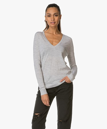 Theory - Theory V-hals Pullover Adrianna in Merinowol - Frosted Grey Heather