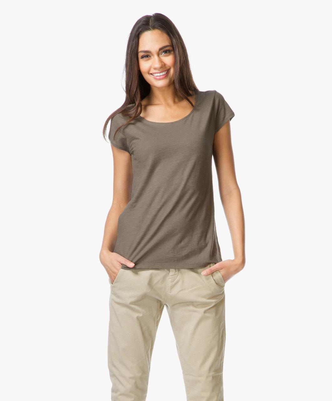 drykorn cotton aviva t shirt khaki green aviva 506100 11 khaki. Black Bedroom Furniture Sets. Home Design Ideas