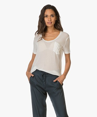 IRO Emmy Ultra Soft V Neck T-shirt - Ecru