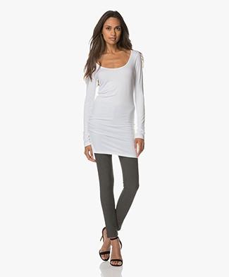 Baukjen Extra Lang T-shirt Essential - Wit