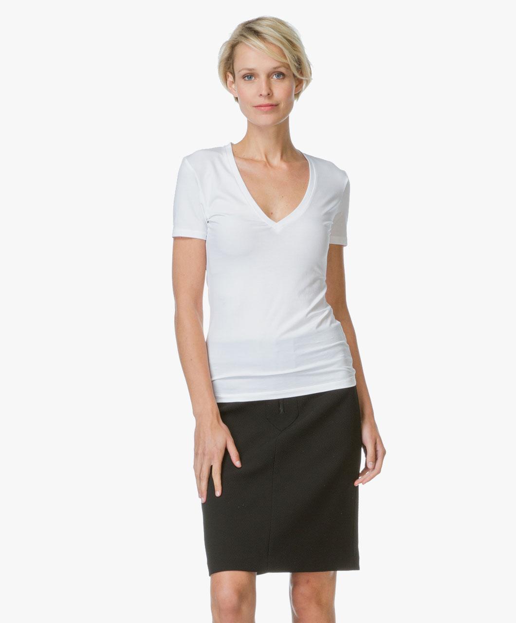 drykorn linara v neck t shirt white linara 507100 60. Black Bedroom Furniture Sets. Home Design Ideas