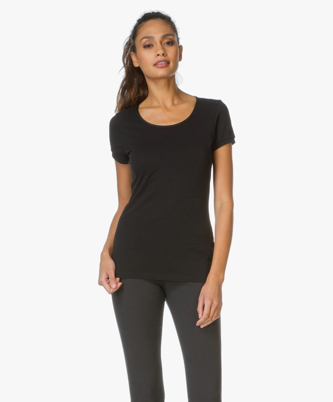 hugo debena slim fit t shirt black debena 10155003 001. Black Bedroom Furniture Sets. Home Design Ideas