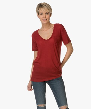 IRO Emmy Ultra Soft V-hals T-Shirt - Wine