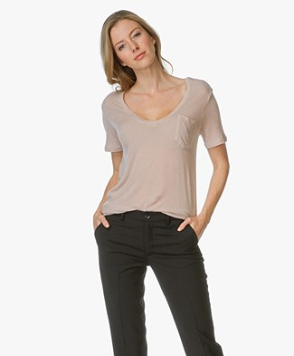 IRO Emmy Ultra Soft V-neck T-Shirt - Nude
