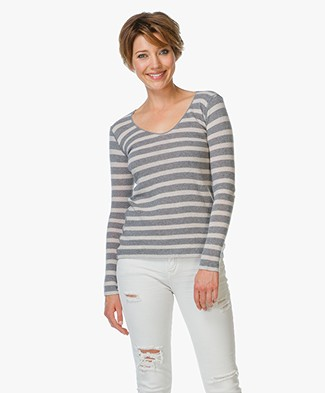 Majestic Cashmere V-Neck Long Sleeve